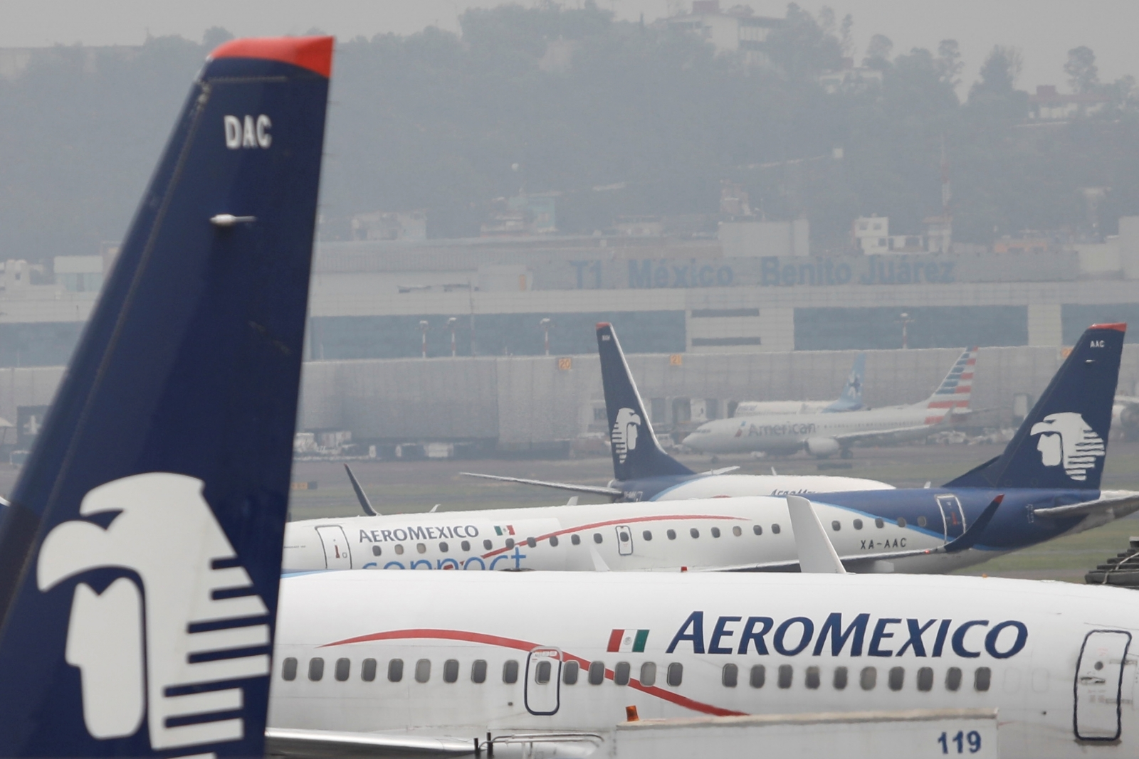 Drunken passenger attempts to bite authorities when taken off Aeromexico flight