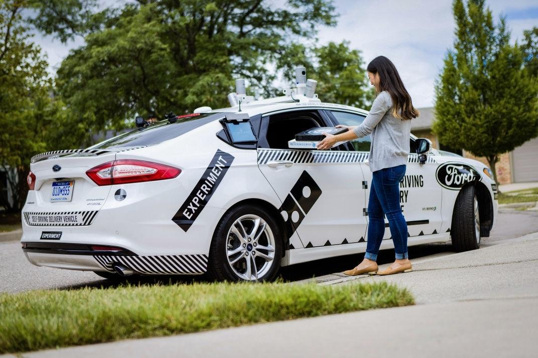 Autonomous Ford delivers Domino's pizza