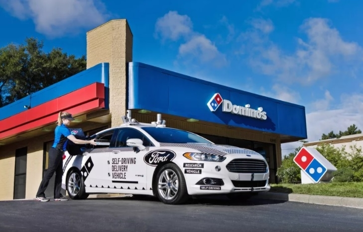 Autonomous Ford Domino's delivery