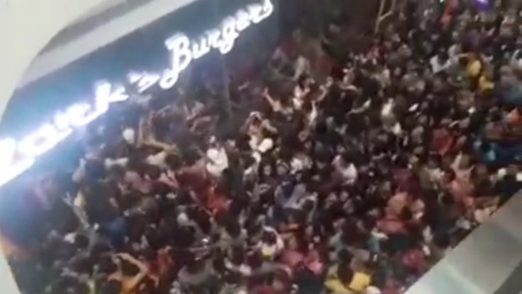 Philippines Crowd Riots Over Bargain Burgers