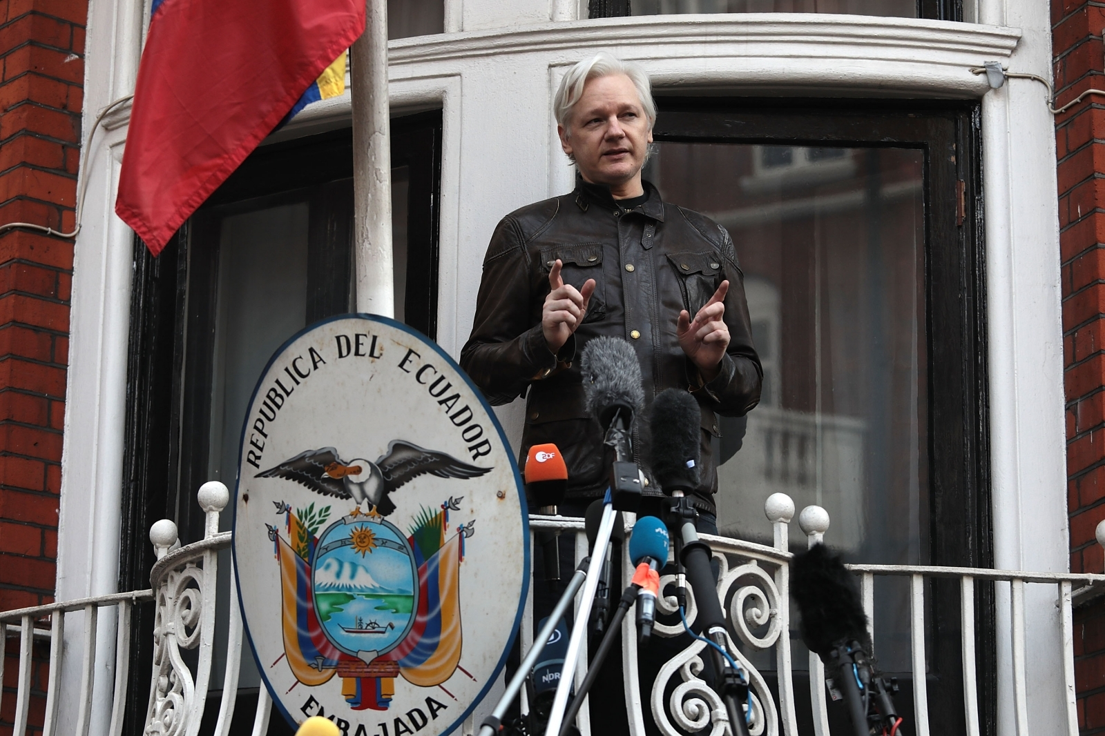 Rohrabacher Claims Meeting To Discuss Assange With Trump Is 'Being Arranged'