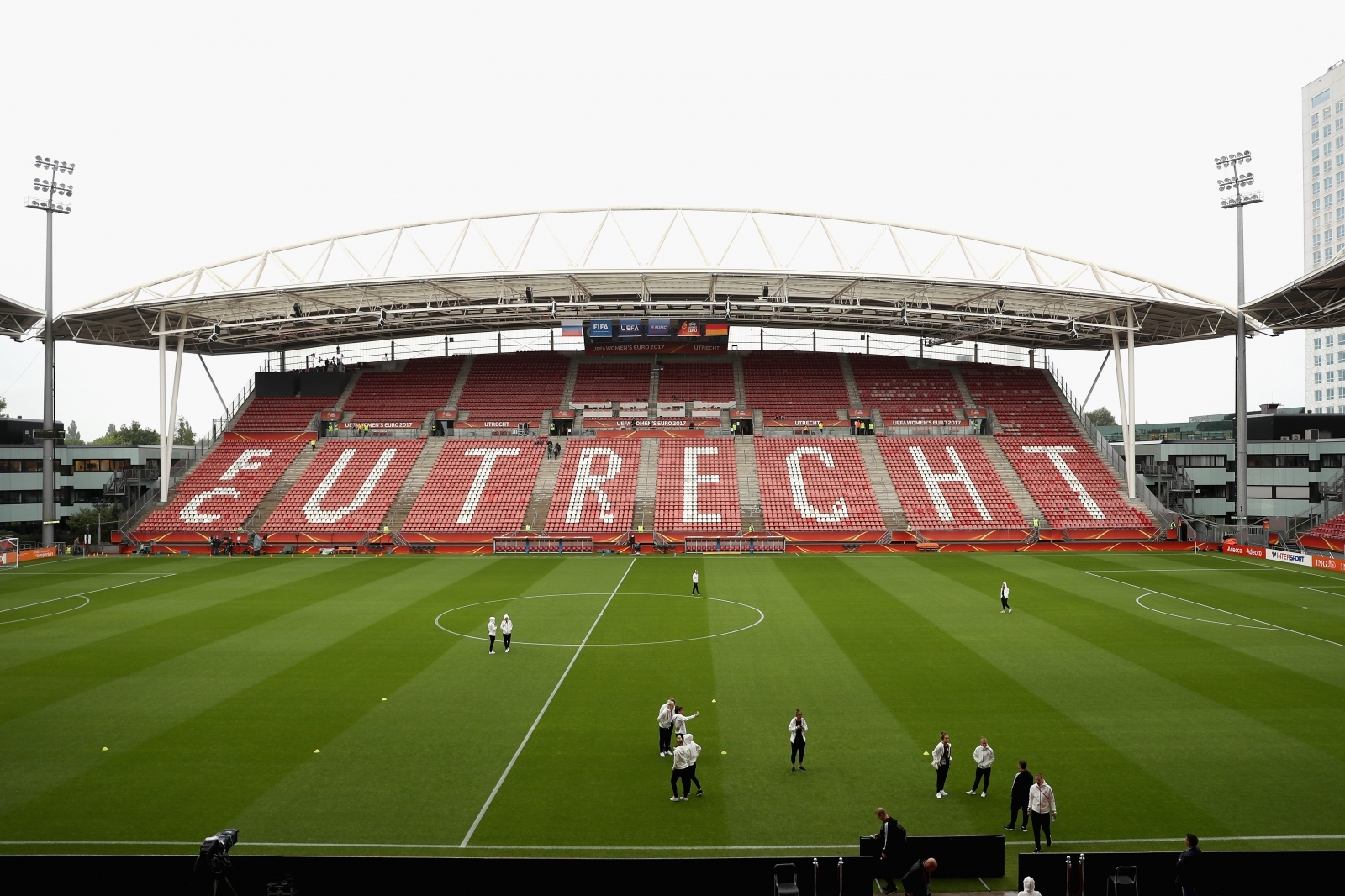 Manchester United midfielder Matty Willock joins Utrecht on loan