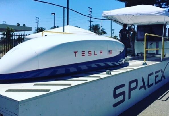 Tesla SpaceX hyperloop pod