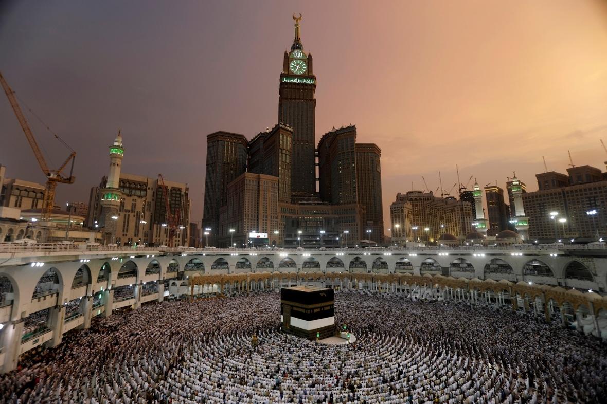 Hajj 2017: Incredible aerial photos of two million Muslim ...