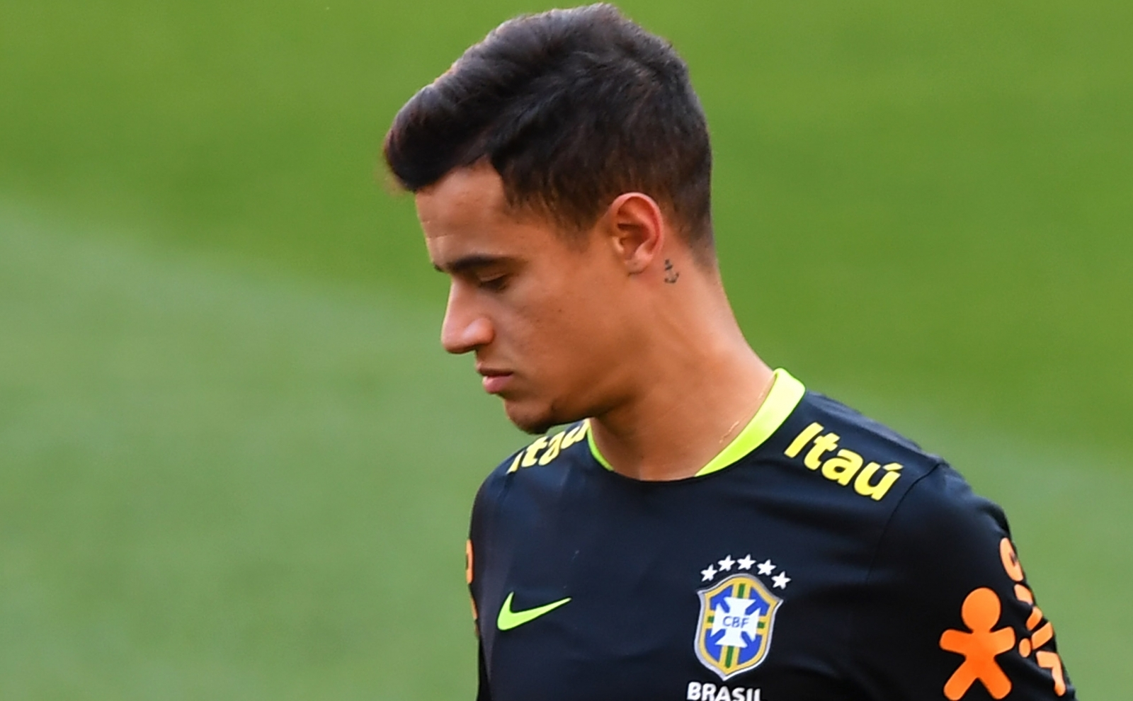 Coutinho 'lives in a very great sadness,' says Neymar