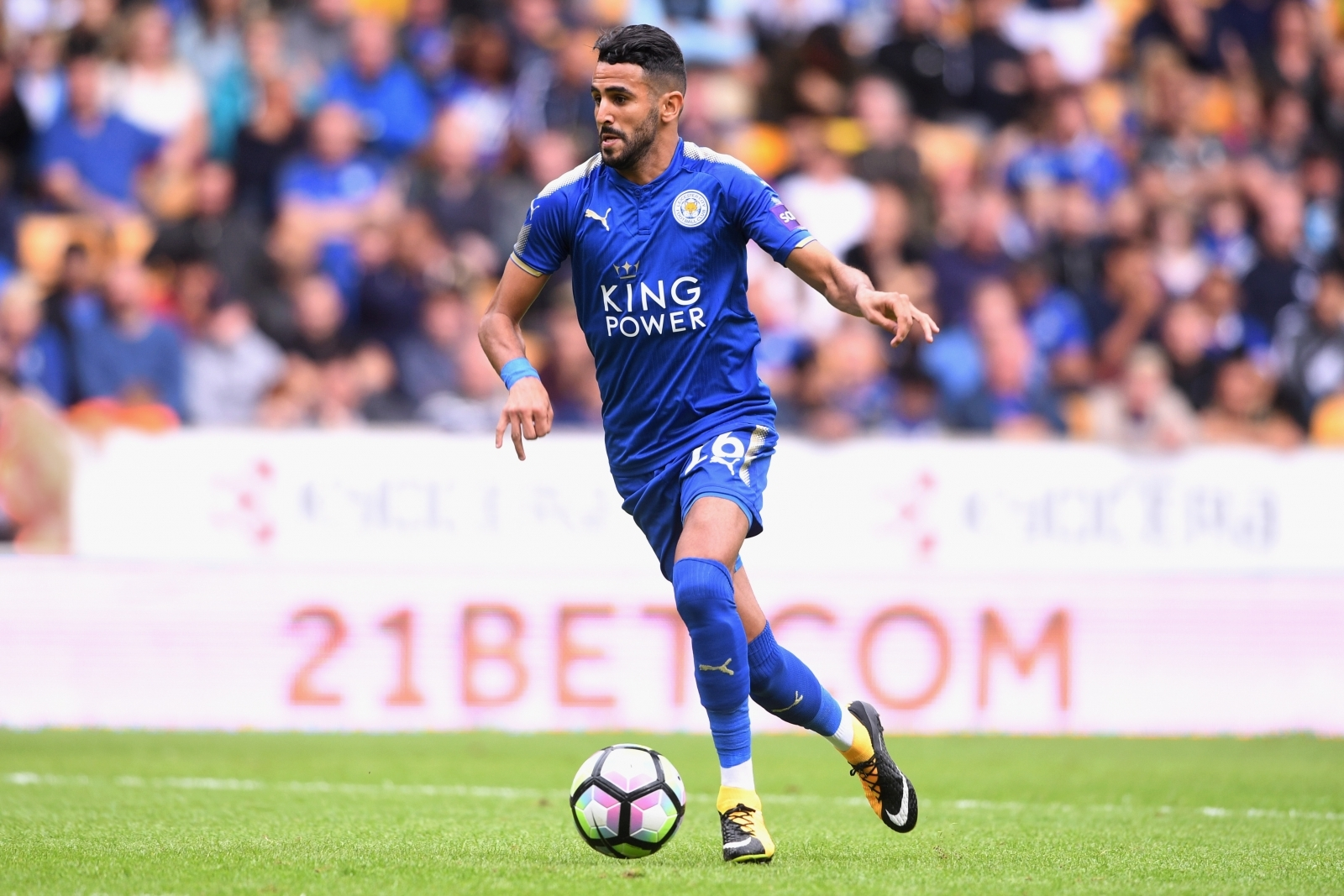 Riyad Mahrez remains committed to Leicester, insists Craig Shakespeare