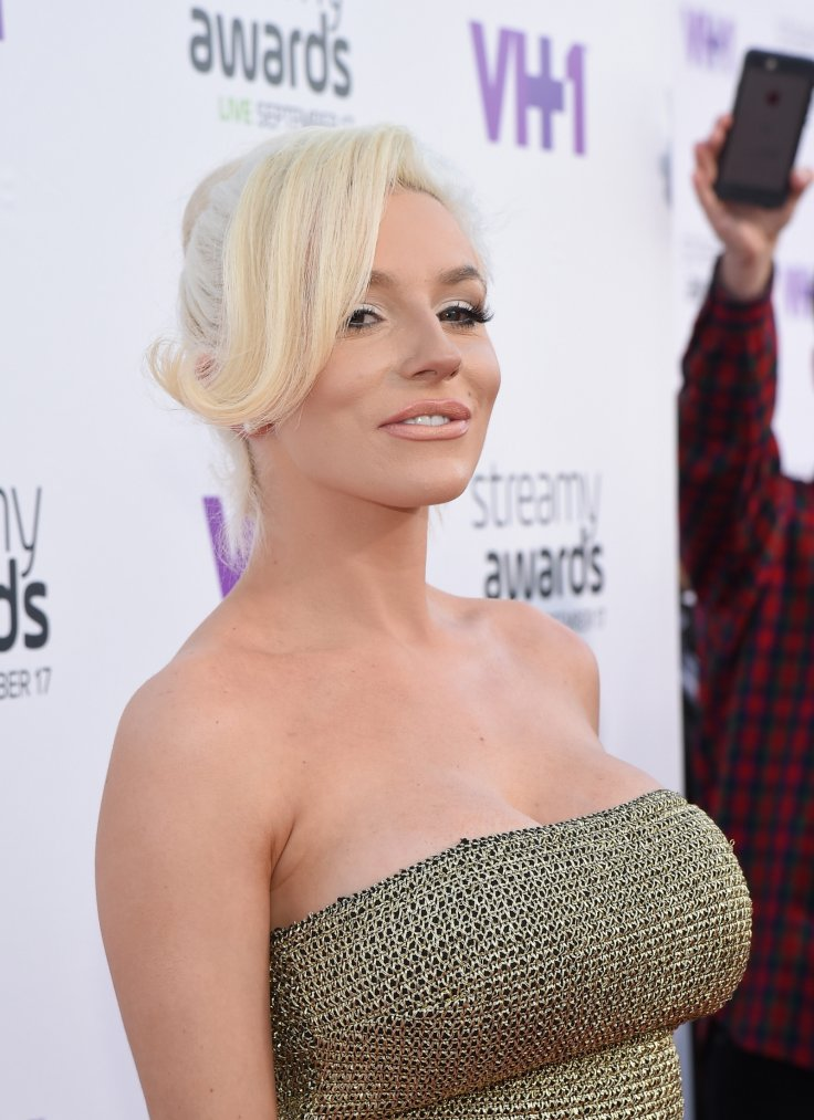 Topless Courtney Stodden