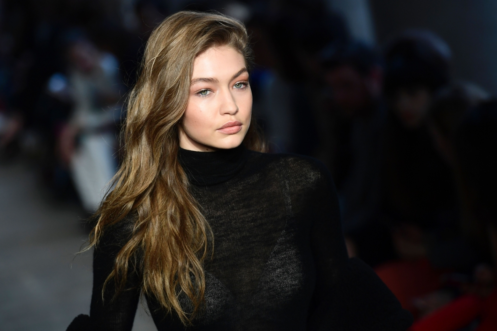 How-to: Gigi Hadid's Fierce Copper Eye | E! News