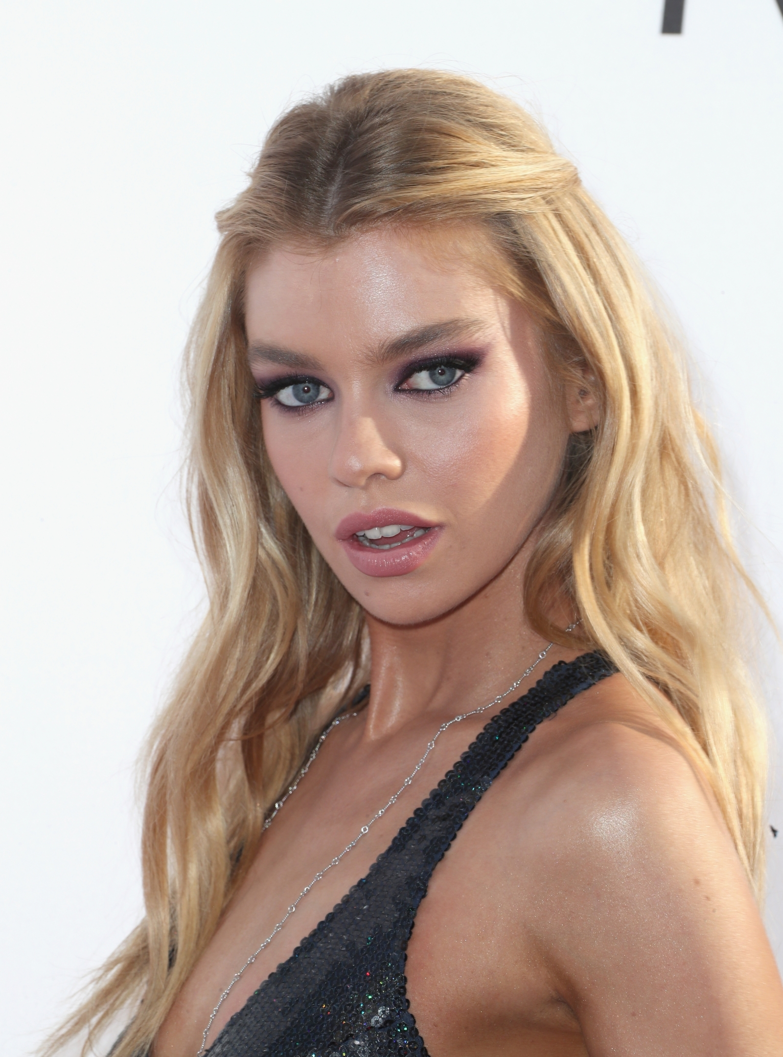 Video Stella Maxwell and Barbara Palvin nudes (72 photos), Sexy, Fappening, Selfie, see through 2017