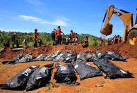 Philippines mass burial