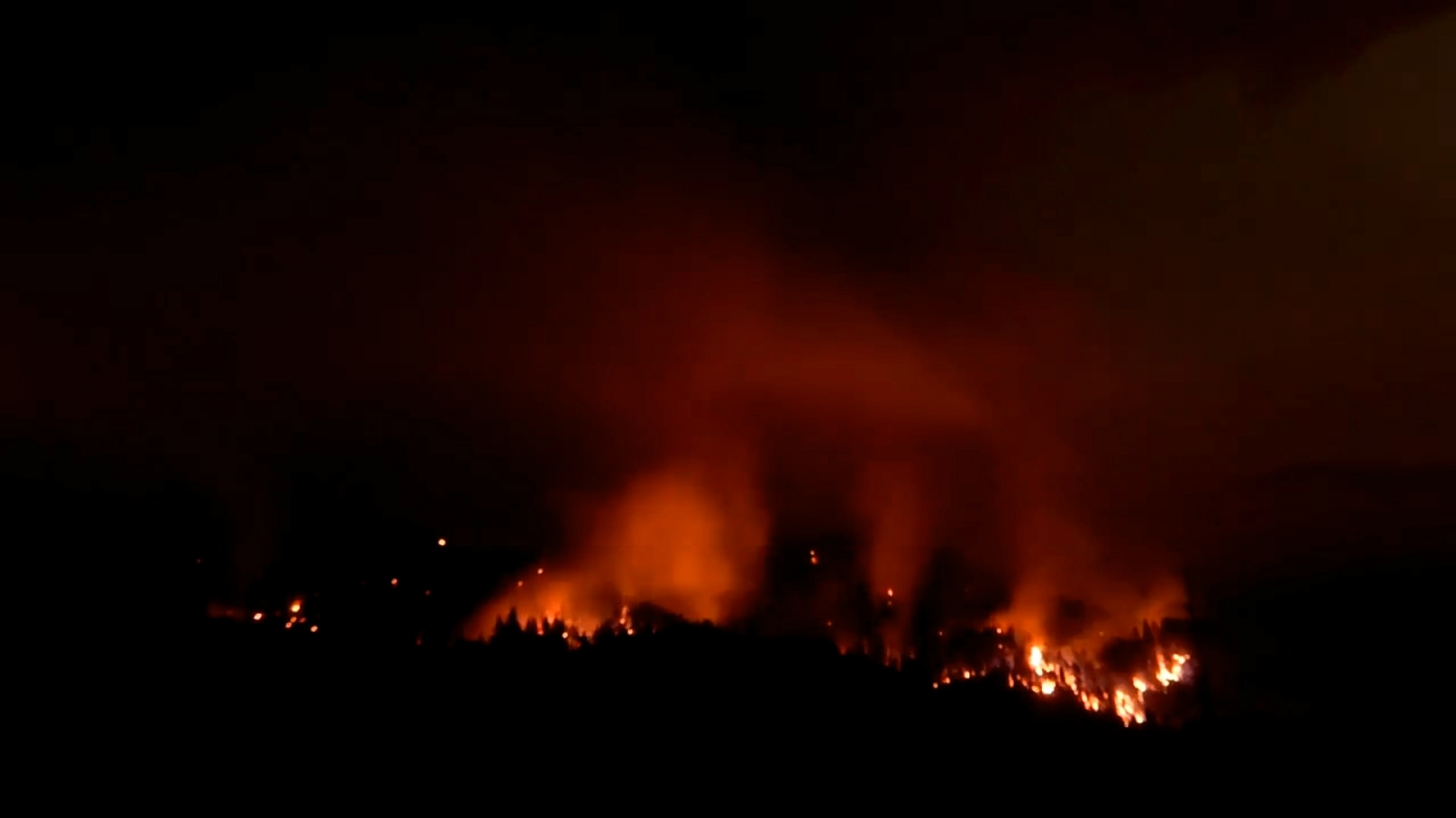 Oregon Eagle Creek Wildfire Spreads To 4,800 Acres