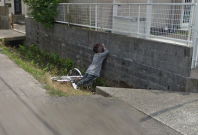 Cyclist falls in ditch Google Street View
