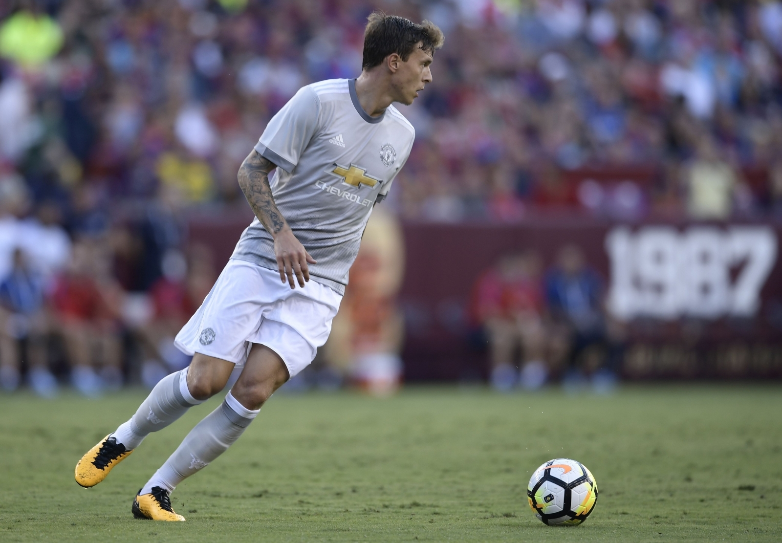Manchester united jose mourinho tells eric bailly and - Victor lindelof ...
