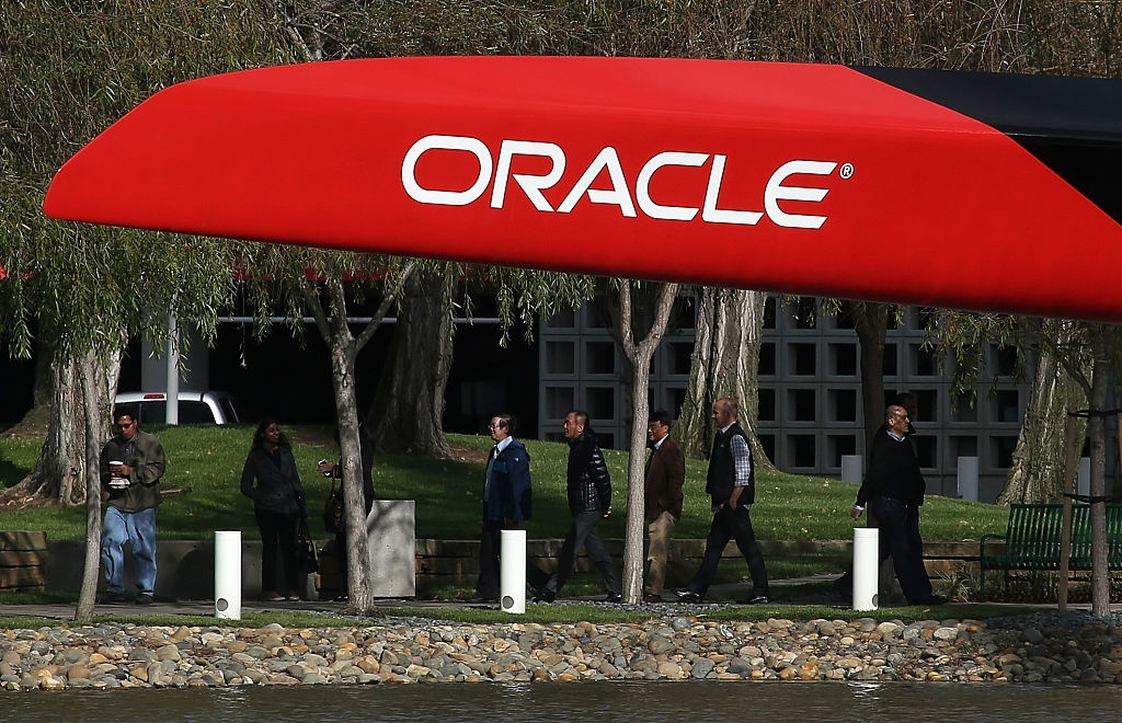 Oracle mass layoff