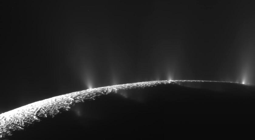Enceladan south polar vents
