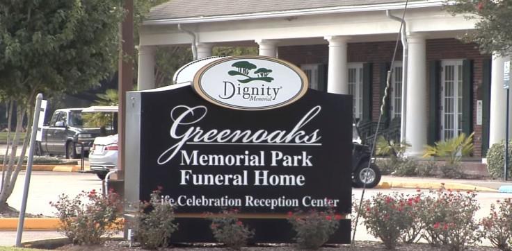 Funeral home leaks blood onto street