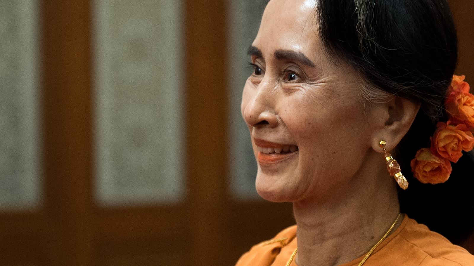 Why are people signing a petition calling for Aung San Suu's Kyi's Nobel Peace Prize to be revoked?
