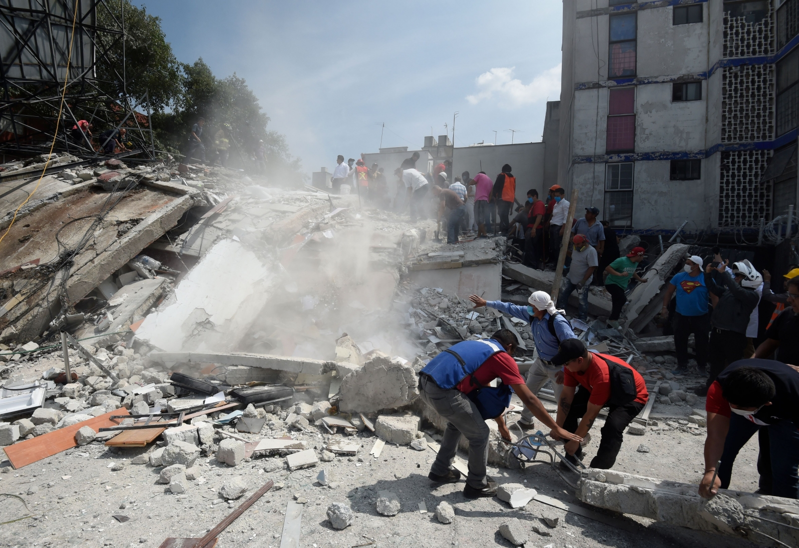 Powerful 7.1-magnitude earthquake kills dozens in Mexico
