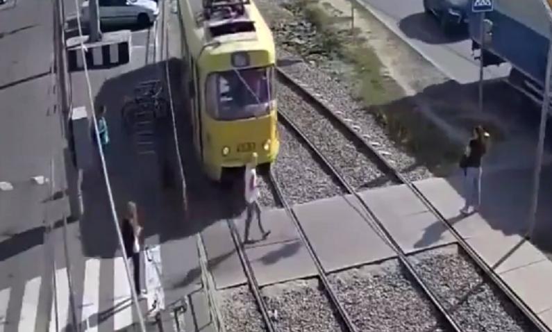 Tram accident mobile phone