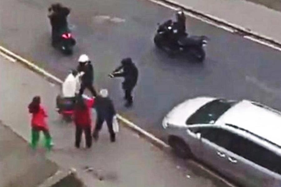 moped gang attack Thornton Heath