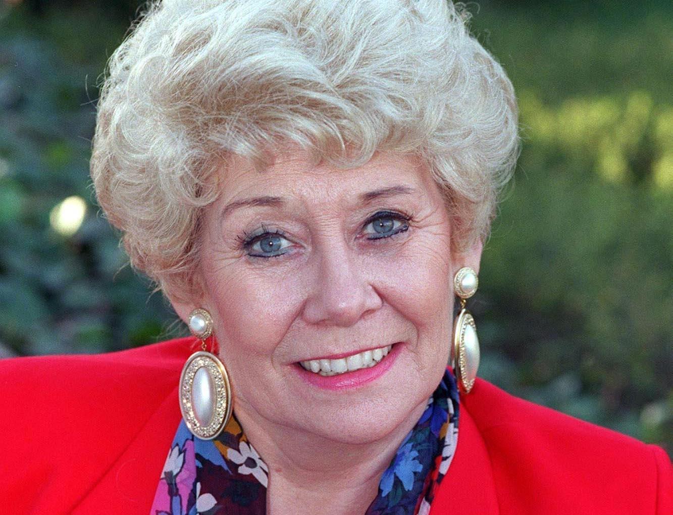 Vera Duckworth Elizabeth Dawn