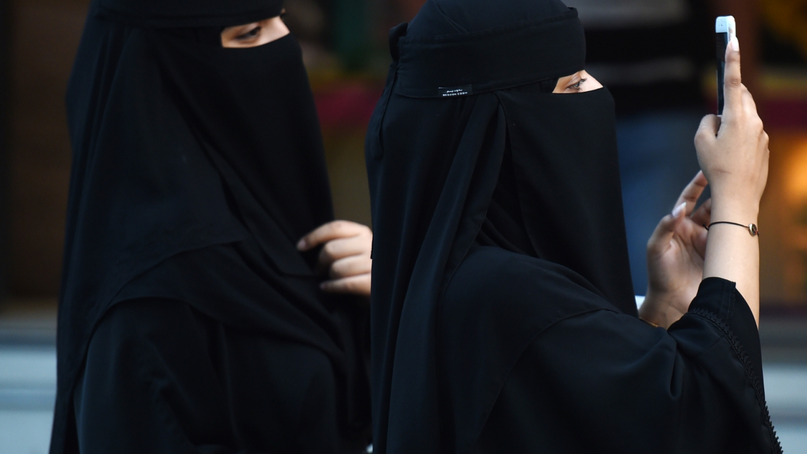 5 Things Women Are Still Banned From Doing In Saudi Arabia