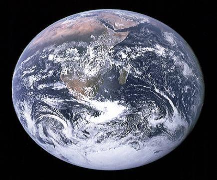 Earth / Apollo 17