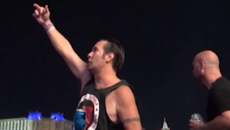 Defiant man flips bird at Las Vegas shooter