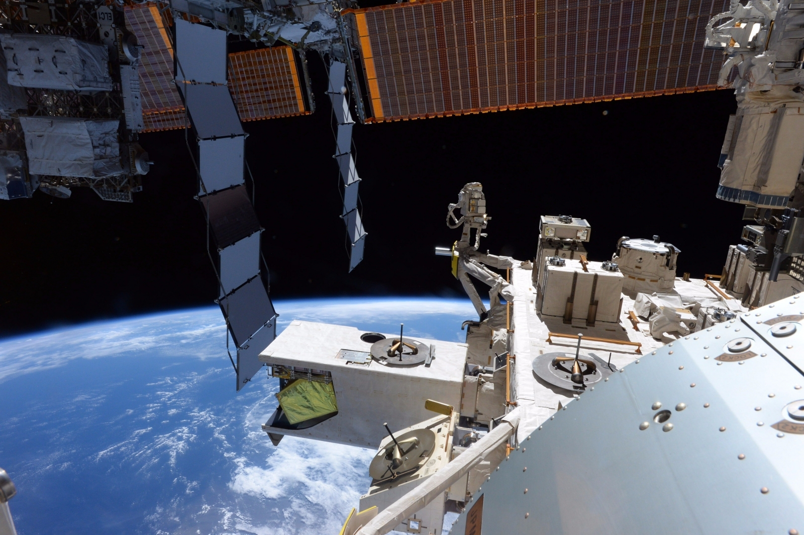 Outer space 360-degree video