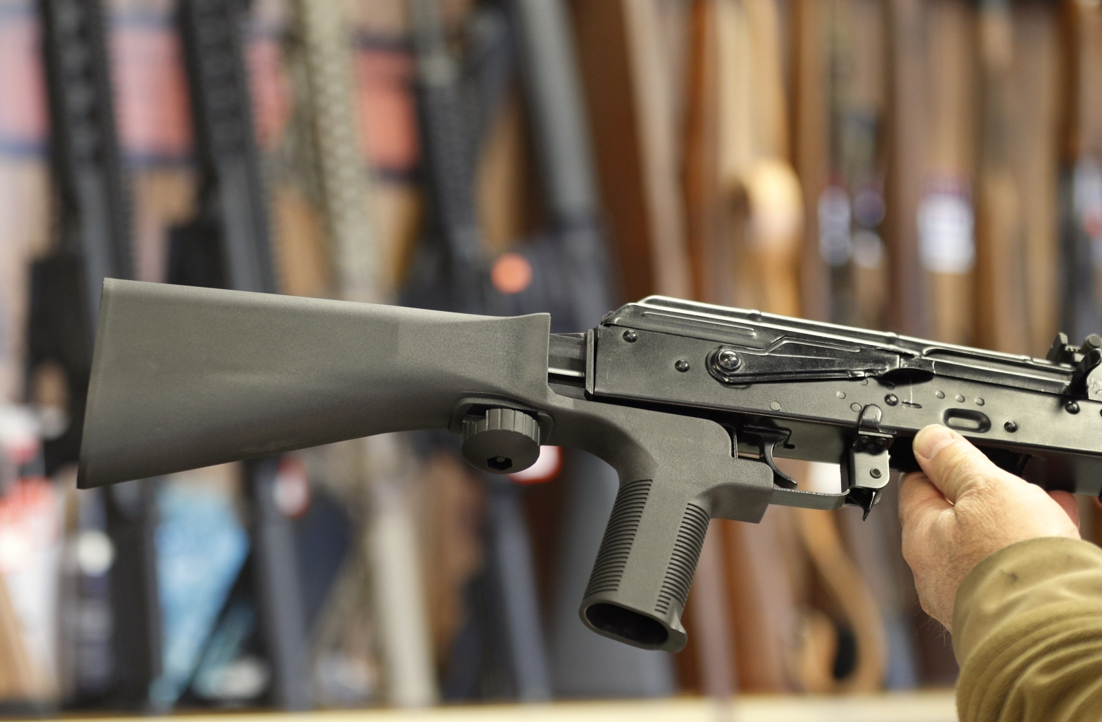 white-house-welcomes-efforts-to-study-gun-bump-stock-devices