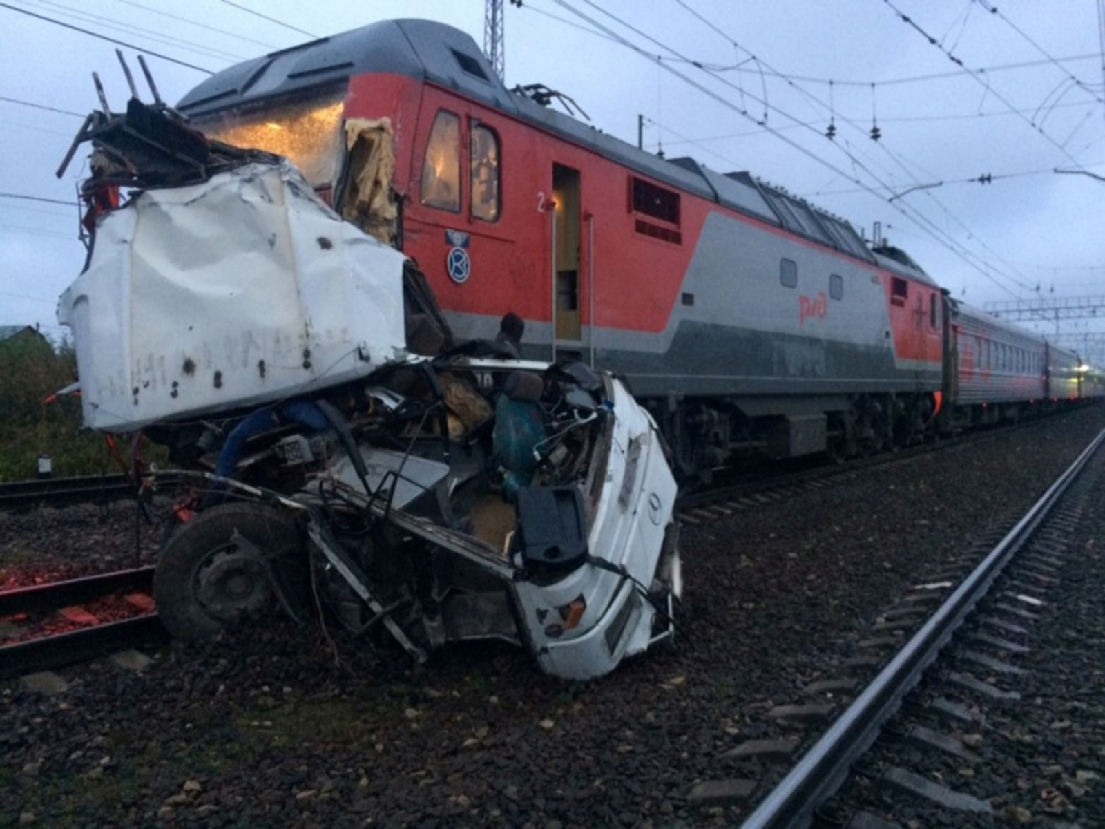 Russia bus-train crash