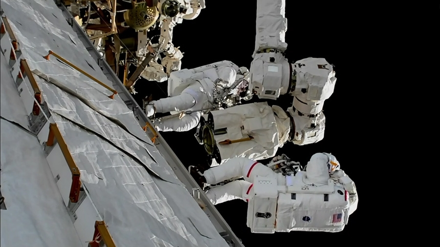 ISS robotic arm repaired