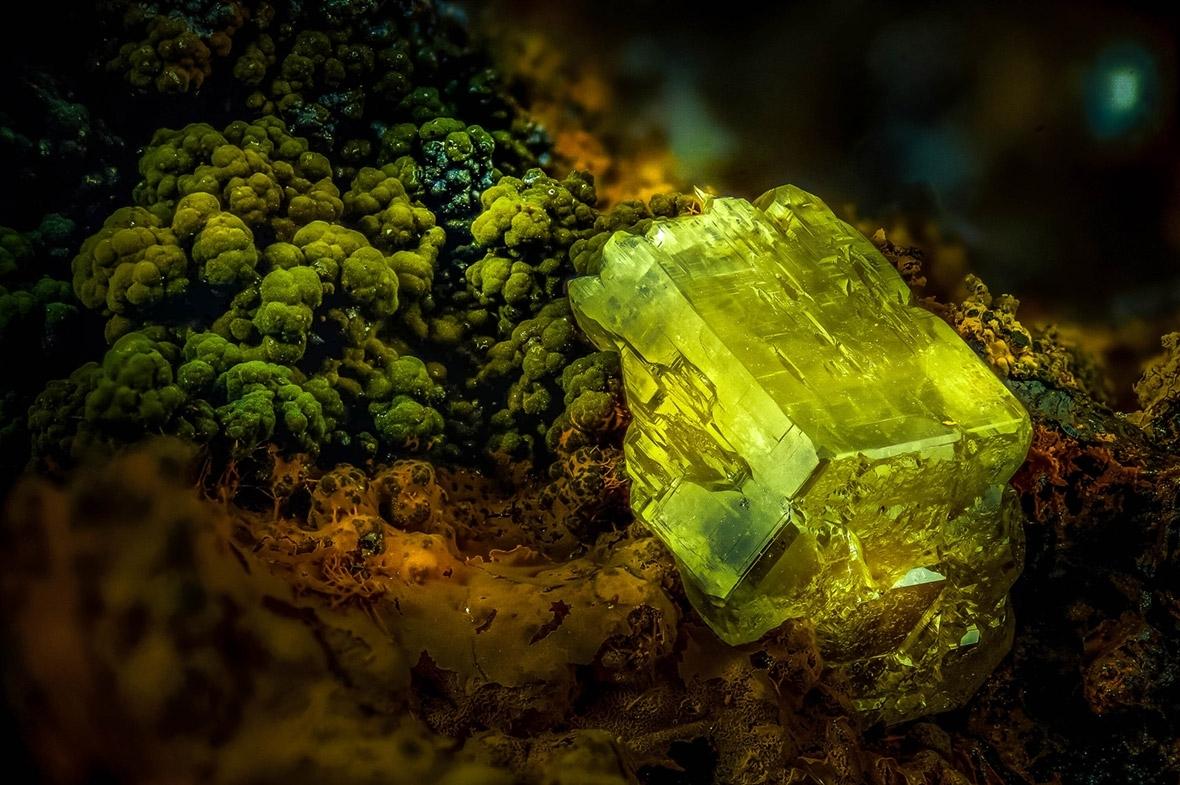 Еміліо Карабаджал Маркес, Мадрид, Іспанія: ПІРОМОРФІТ (мінерал).