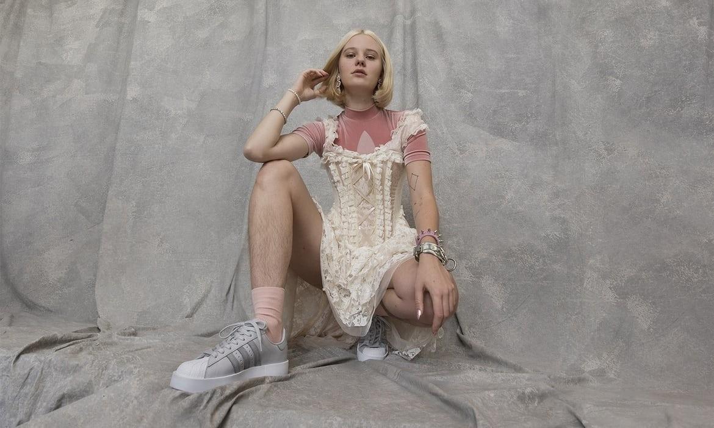 Model abused for not shaving her legs