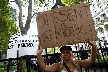 New York Police Arrest 700 Occupy Wall Street Protesters as Marchers Take-Over Brooklyn Bridge