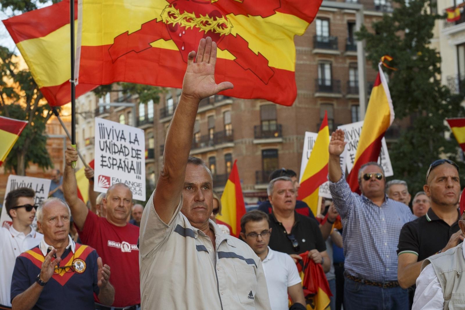 Nazi salute Catalan independence