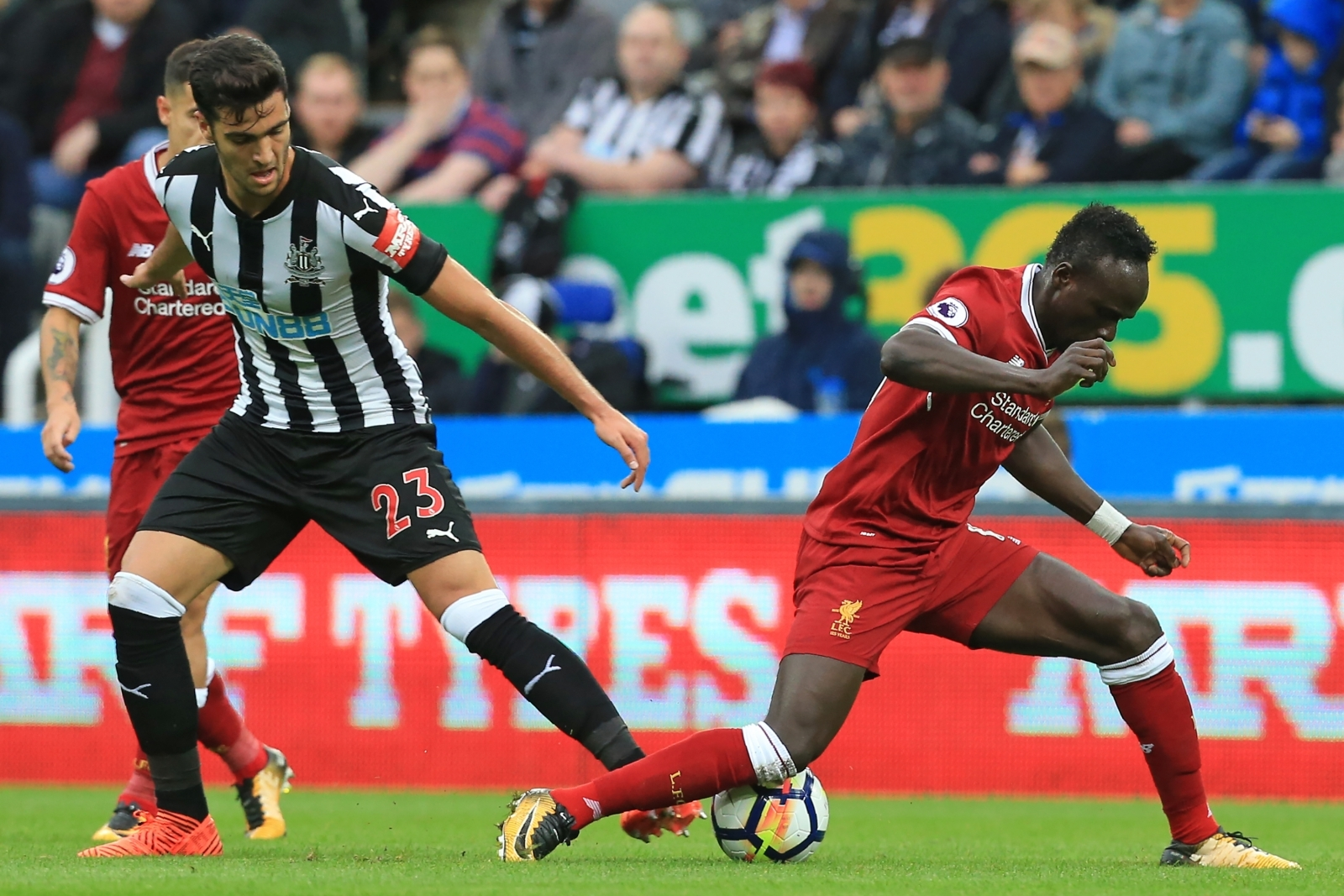 Sadio Mane sustains hamstring injury