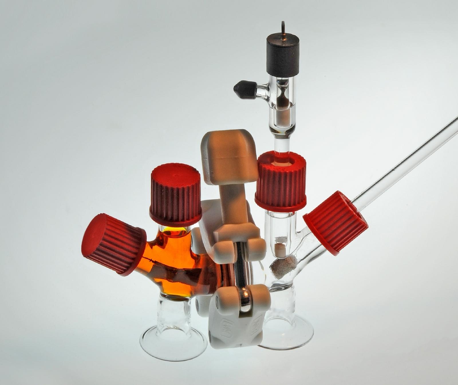 Sulphur battery cell design