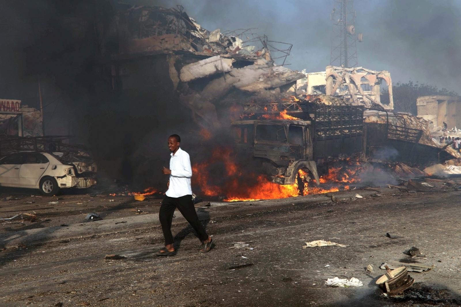 Mogadishu explosion Somalia truck bomb