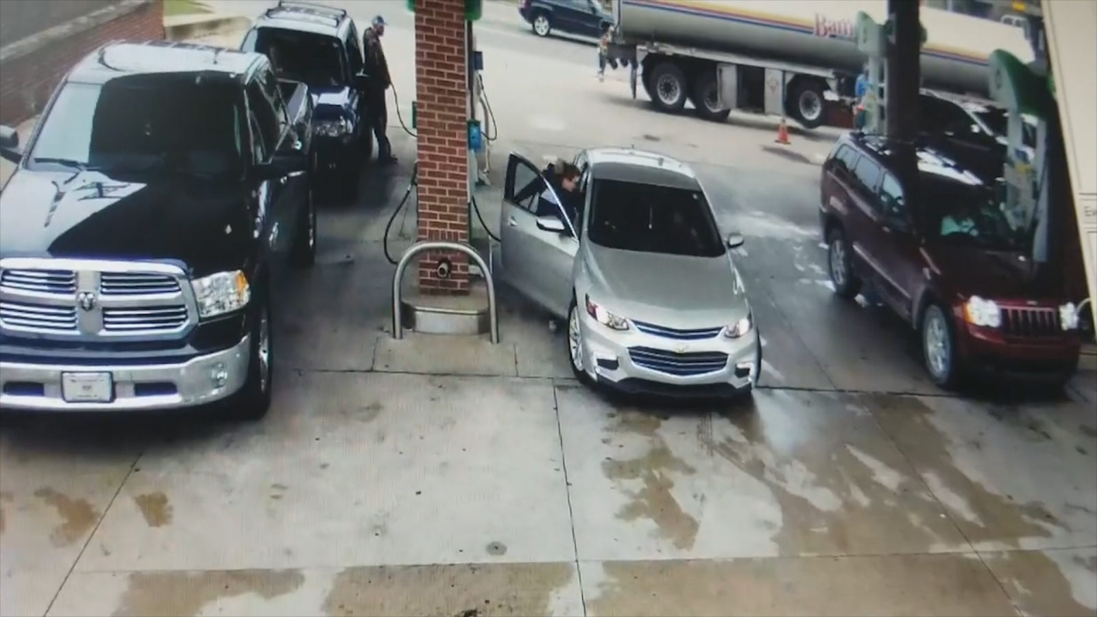 CCTV captures dramatic moment woman fights off carjacker at gas station