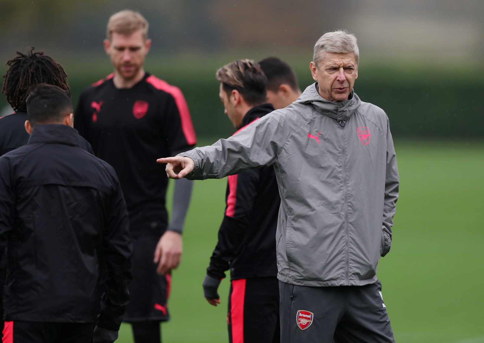 did-alexis-sanchez-snub-wenger-at-arsenal-training