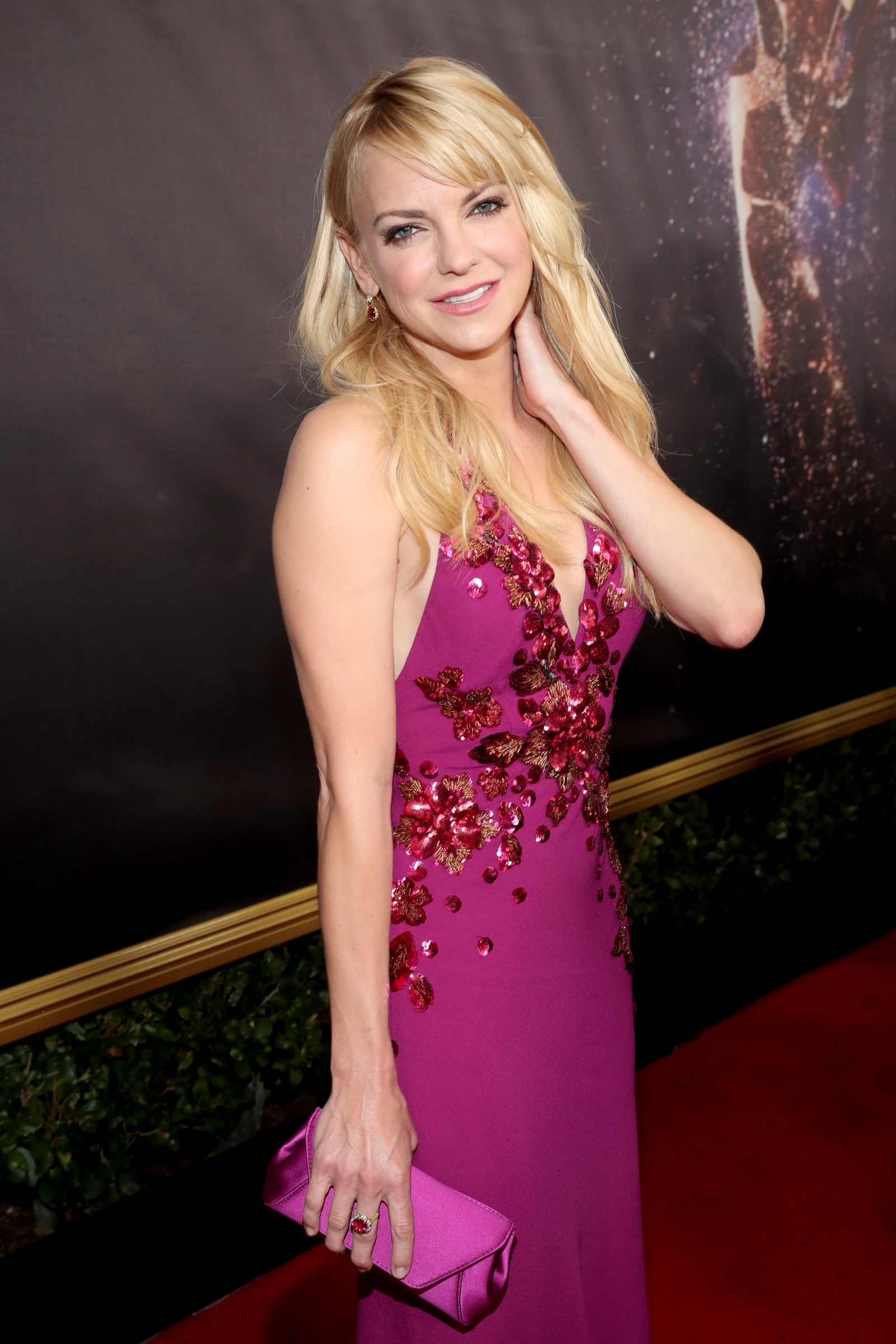 'I had to be a soldier': Anna Faris talks about son's ...