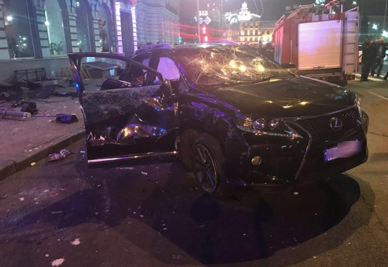 This Lexus is said to have flipped over and ploughed into a crowd of people in Ukrainian city, Kharkiv