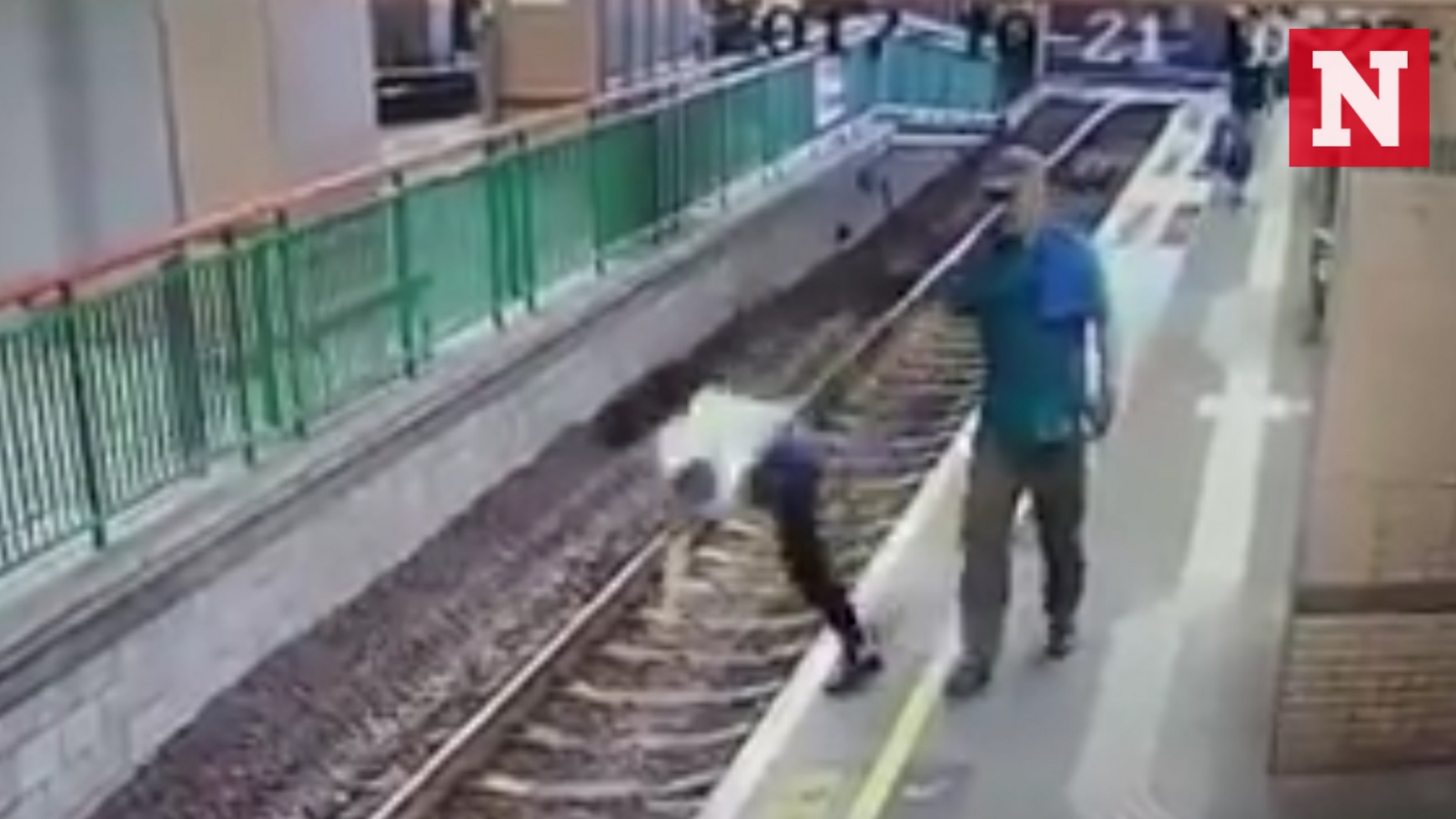 shocking-cctv-video-shows-man-pushing-woman-onto-railway-tracks-in-hong-kong