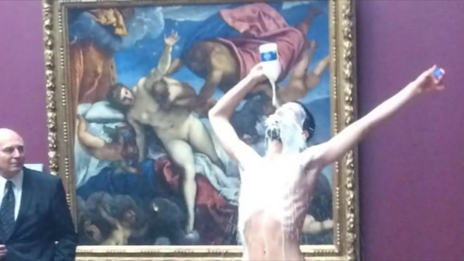 Artist does nude performance at Portrait Gallery