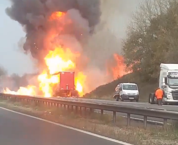 M1 motorway lorry fire