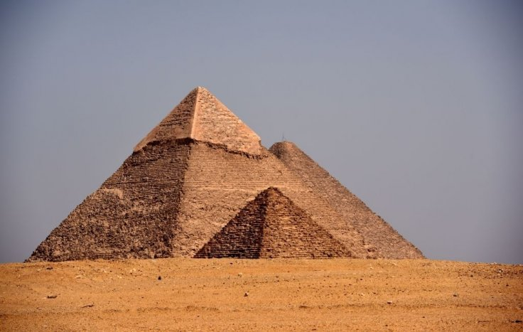 How did Egyptians build perfectly aligned Giza pyramids