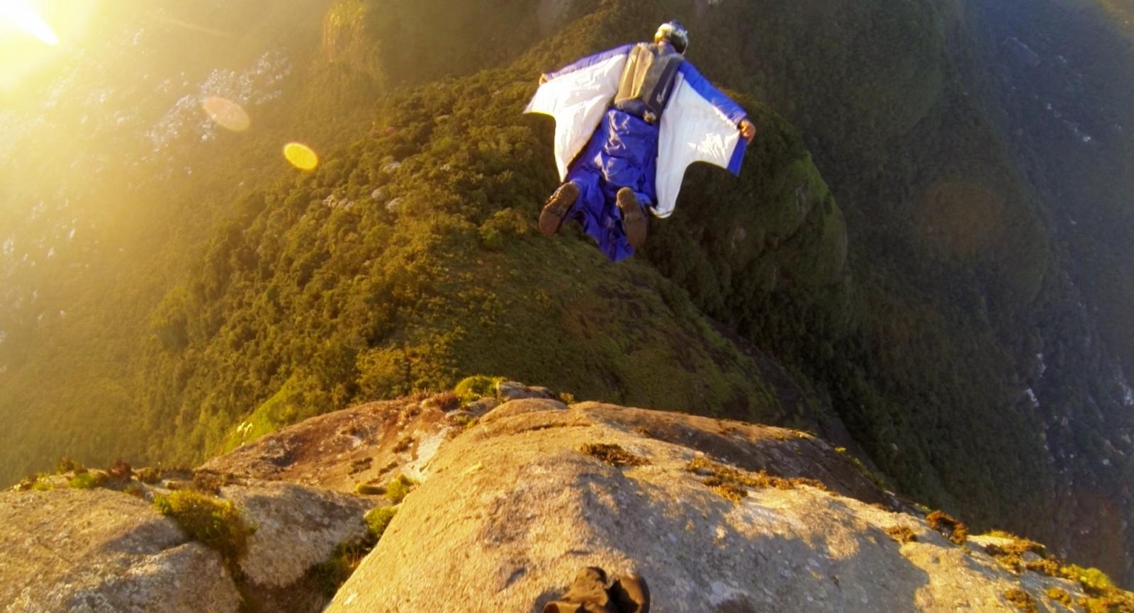 Alexander Polli base jumping in Pedra da Gávea, Brazil