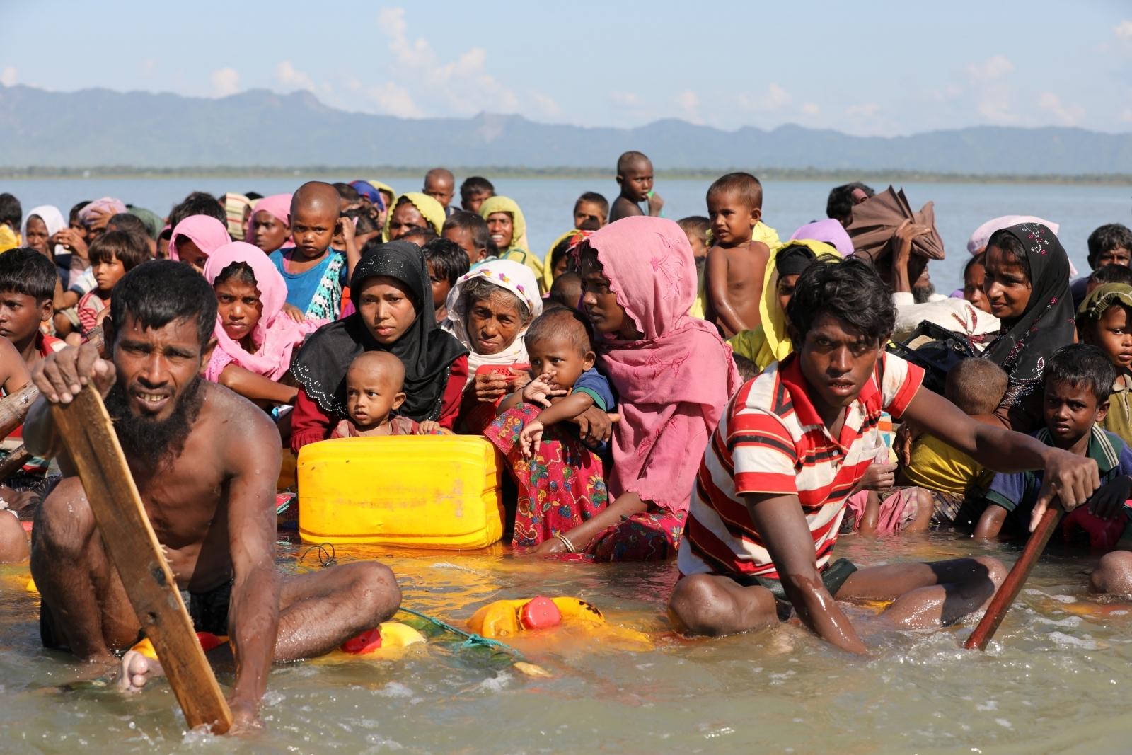 Rohingya Muslim rafts Myanmar Bangladesh