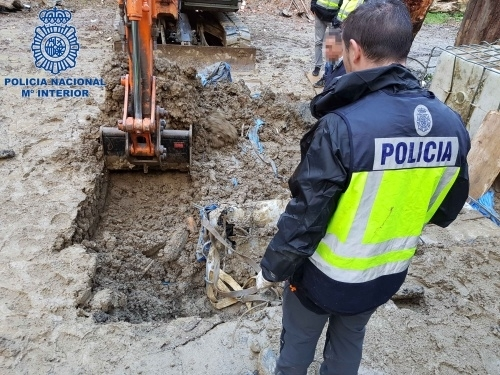 Digging for cocaine in Spain
